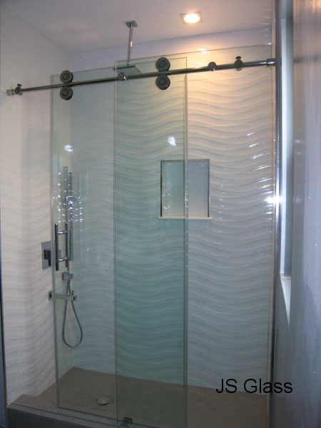 the hydroslide system also the option of glass panels with a sliding door
